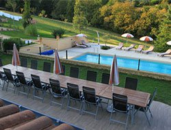 Rent a gite with private and warmed swimming pool